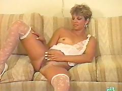Hairy is sexy between the legs of the vintage milf in lingerie