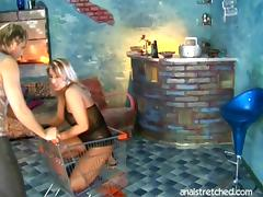 Bootylicious blonde ravished before a nasty pissing fetish