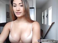 Asian American Countrygirl on 123Freecams.com