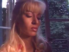 Lea Martini and the waiter