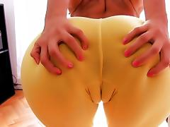 Most Amazing Cameltoe Latina! Big Ass! Perfect Natural Tits!