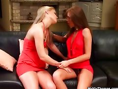 Two stunning lesbian models making