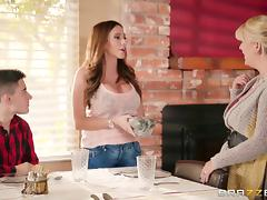 Thick Ariella Ferrera rides the skinny guy's cock in the kitchen!