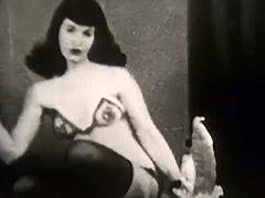 Black and White Decorate Vixen's Body 1950