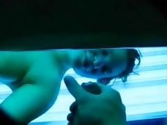 Flashng and wanking for a suntanning girl