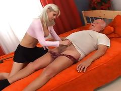The sexy blonde chick fucks the very old man