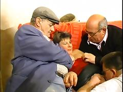 Mature guys fucks mature babe in orgy party