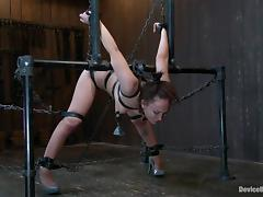 chains will keep her steady