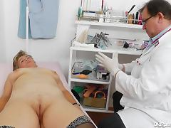she gets a pussy exam