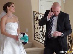 Hardcore CFNM reality scene with charming bride Jenni Lee
